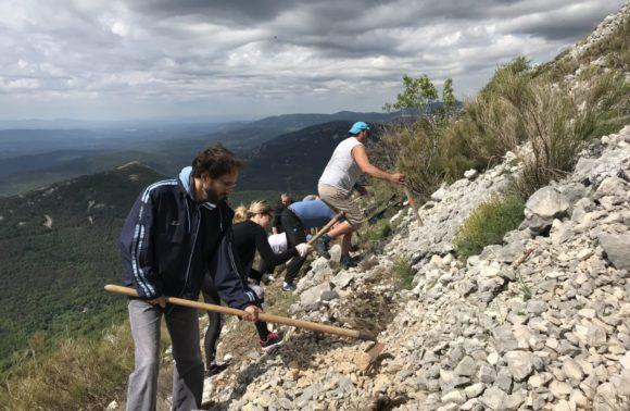 Réhabilitation d'un sentier forestier. St Vallier de Thiey, 21 mai 2018